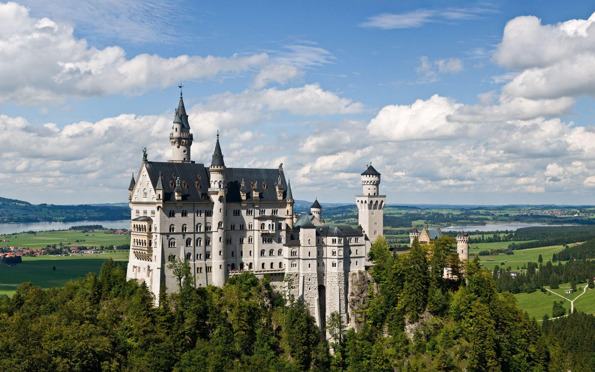 Neuschwanstein Castle Websitedirections Hill Castle In Schwangau Germany Deutschland Burgen Allgau Urlaub Burgen Und Schlosser