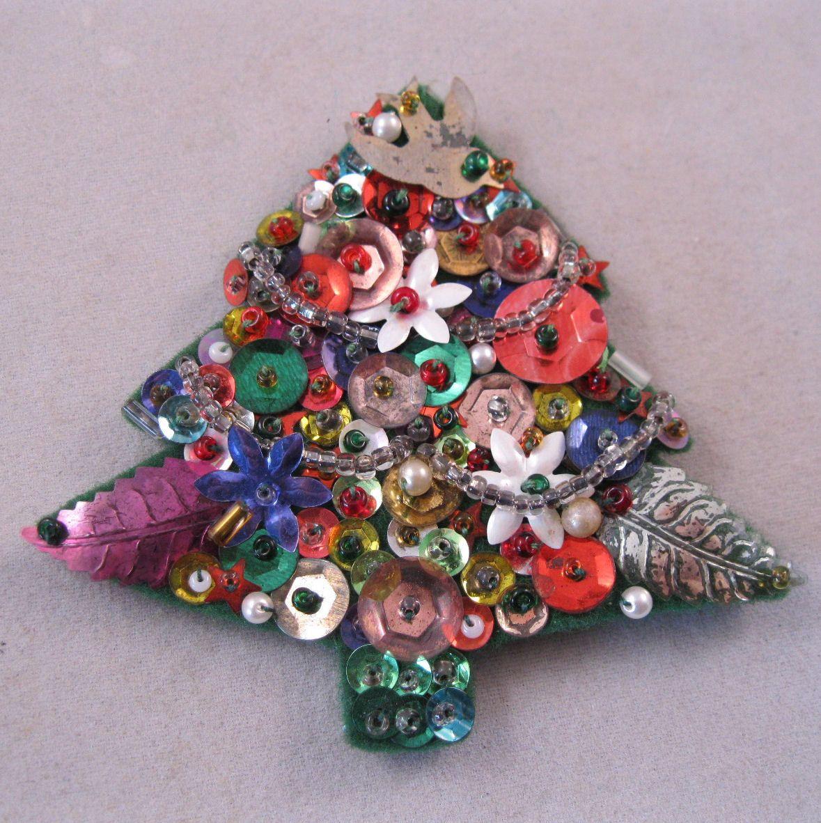 1950s Handmade Christmas Tree Brooch Sequins Felt Seed