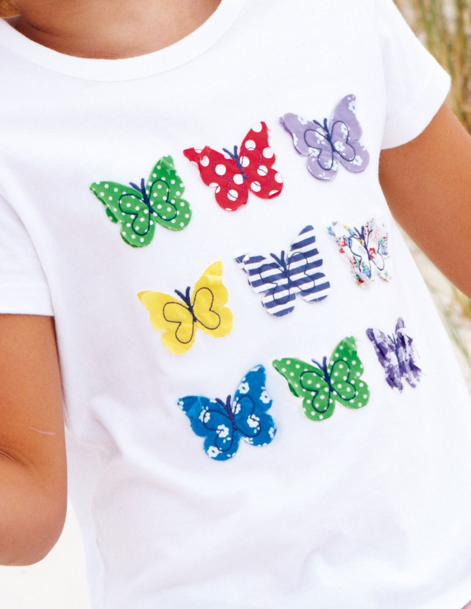 Not A Tute But I Love The Appliques On This Shirt Mini Boden Is Too Cute Mini Fashion Applique Designs Girls Tshirts