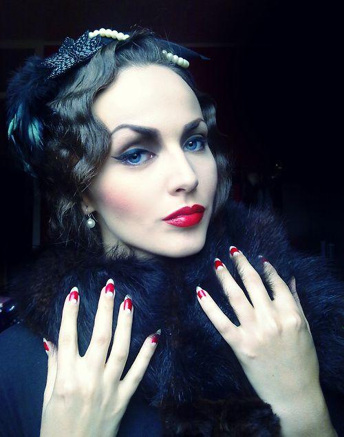 1920s vamp makeup done with ArtdecoMakeup cosmetics / Idda van Munster