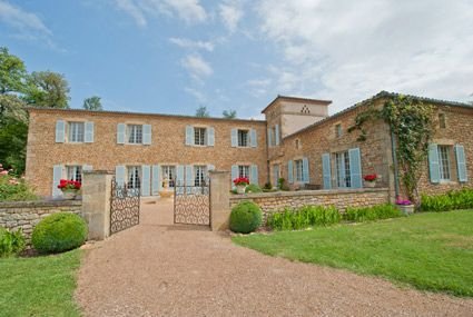 sleeps 14. Holiday rental country home in Dordogne