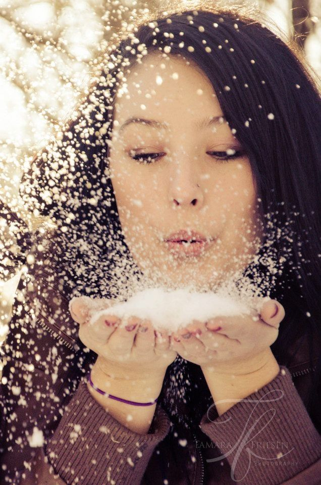 Cute Winter Photoshoot Idea Blowing Fluffy Snow Out Of My Hands Felicity