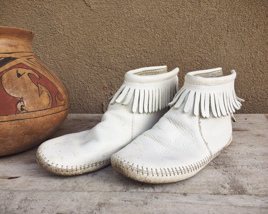 2fa101349455a Vintage White Leather Ankle Moccasins Women's Size 6, Native ...