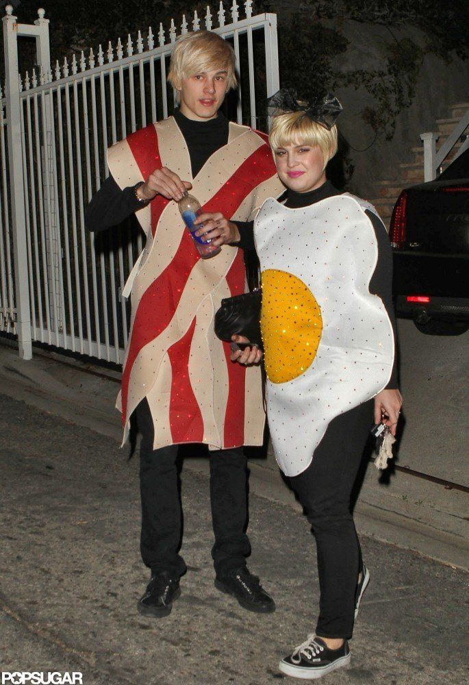 Kelly Osbourne and Luke Worrall as Bacon and Eggs Kelly osbourne - halloween couples costumes ideas