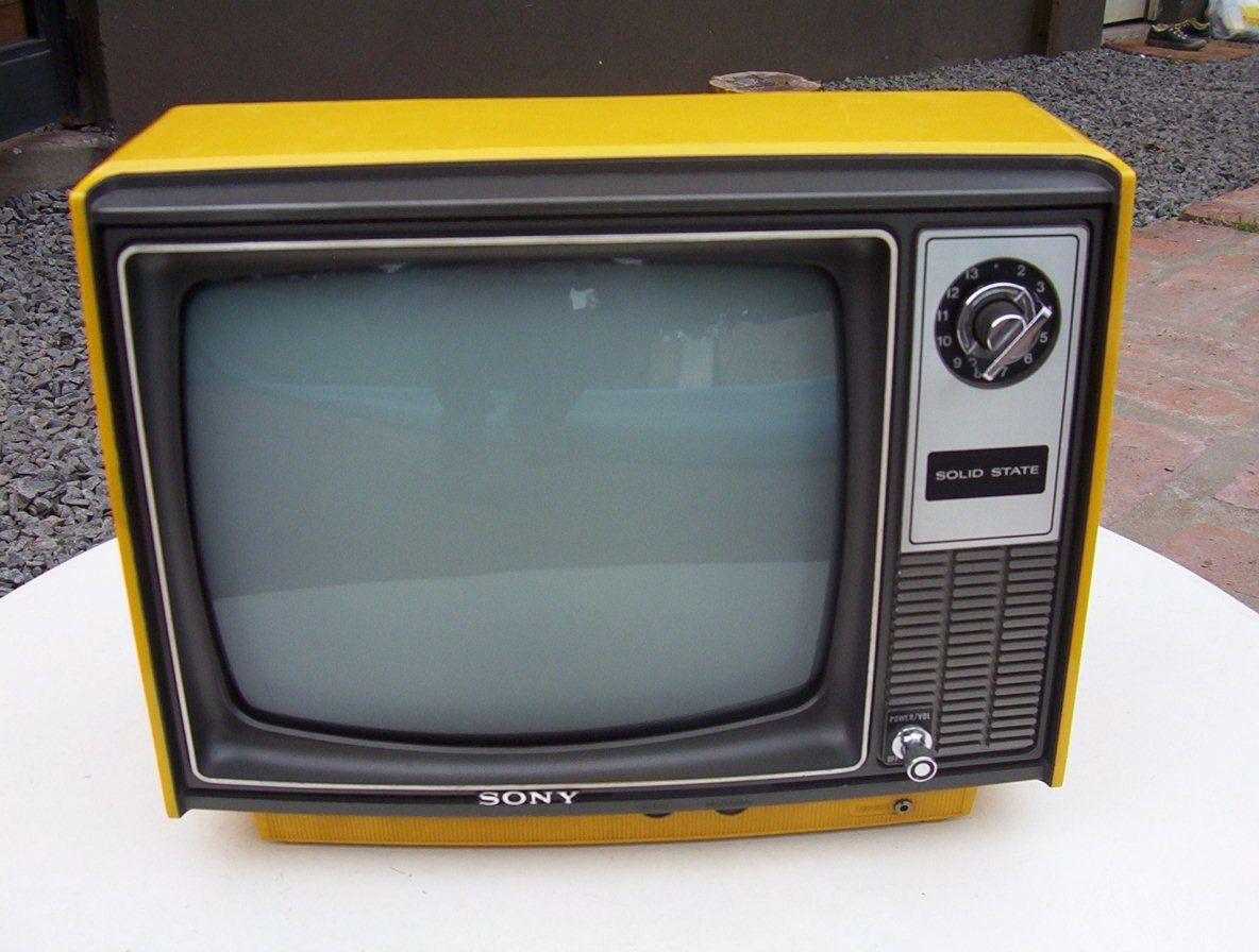 Tv B/n Retro Para Decorar No Funciona