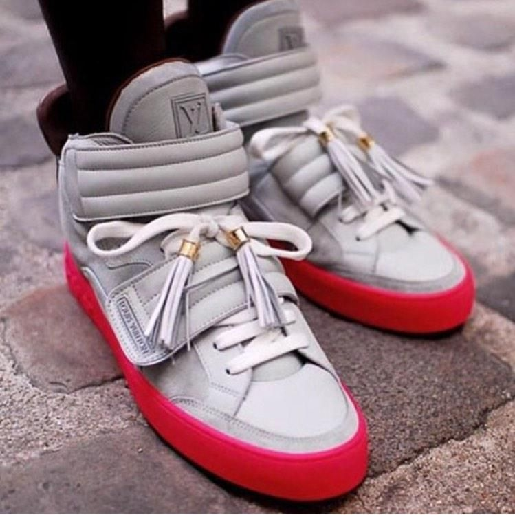 Freofficial Customs On Twitter Sneakers Louis Vuitton Sneakers Sneakers Fashion