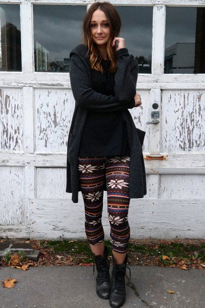 Fashion Snowflake Pattern Colorful Stripes Leggings #stripedleggings