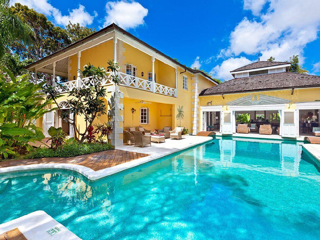 SUNSPLASH GETAWAY  Vacation property Resort style pool