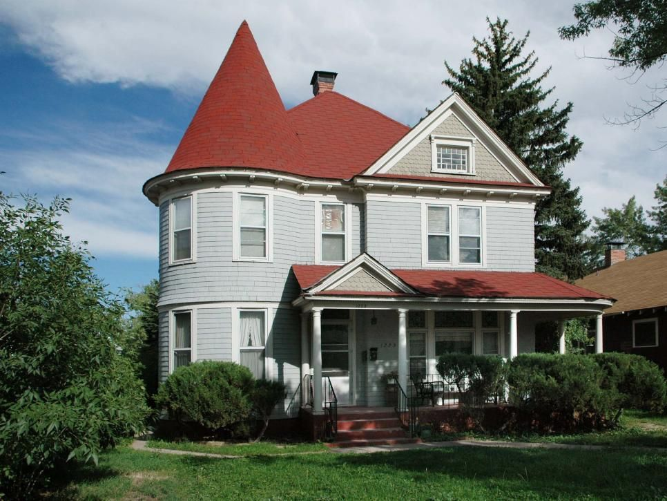 Best This Simple Victorian Home Features A Turret And Cedar 400 x 300