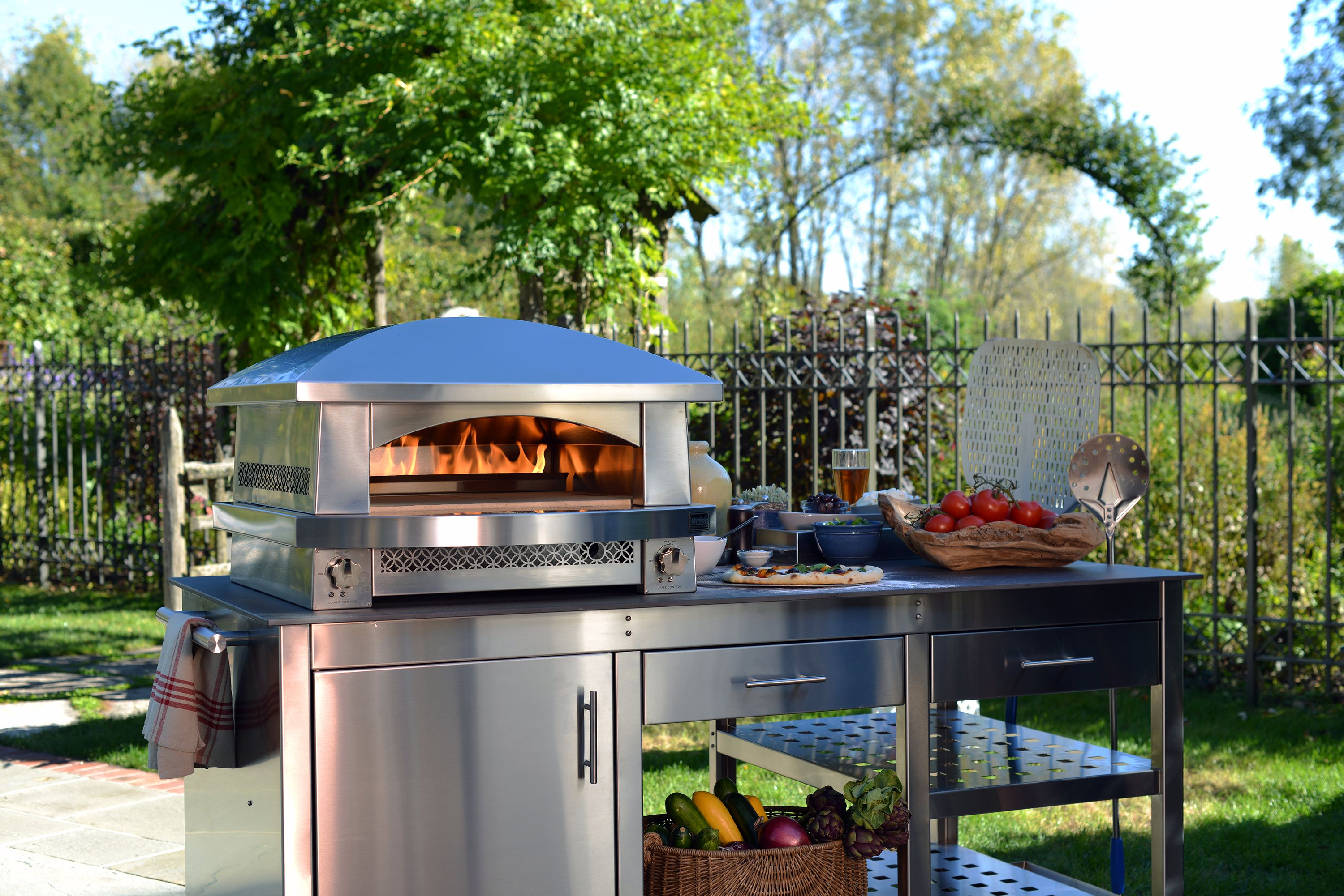 Kalamazoo Outdoor Gourmet Fire Pizza Oven And Station