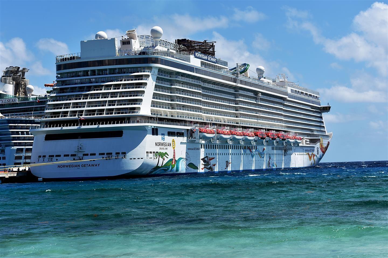 Hey oakville luxury travelers call lola stoker cruise holidays
