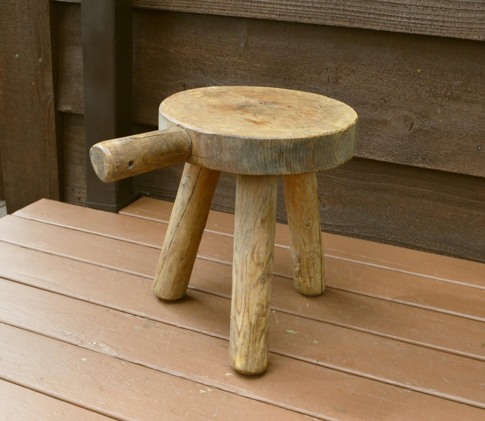 Walpole Woodworkers 3 Leg Wooden Stool Vintage Milking Stool