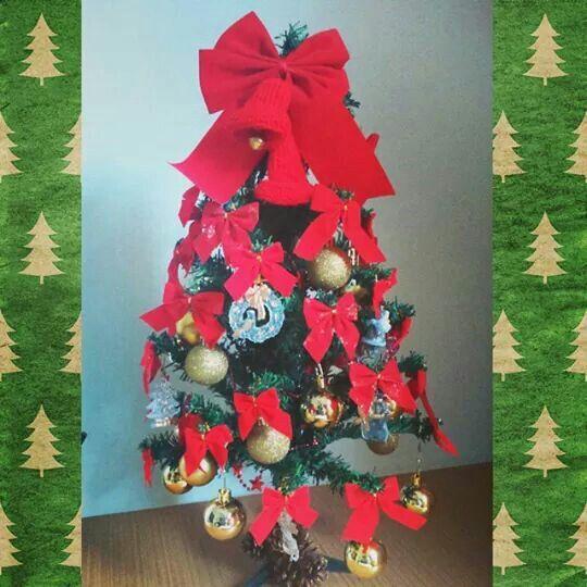 Olha que linda ficou nossa Árvore de Natal   ⚪⚪⚪⚪⚪⚪⚪⚪⚪ Aproveite nossas ofertas de Natal!! Semijoias lindas com até 25% de desconto.   Bolsas de arrasar com 25% de desconto.    #Cassie #semijoias #moda #fashion #estilo #tendências #good #Happy #cute #inlove #look #diva #banhado #folheado #natal #presente #linda #joiafolheada #instamoda #amazing #beautiful #instagood #fretegrátis #ofertas #lookdodia #picoftheday