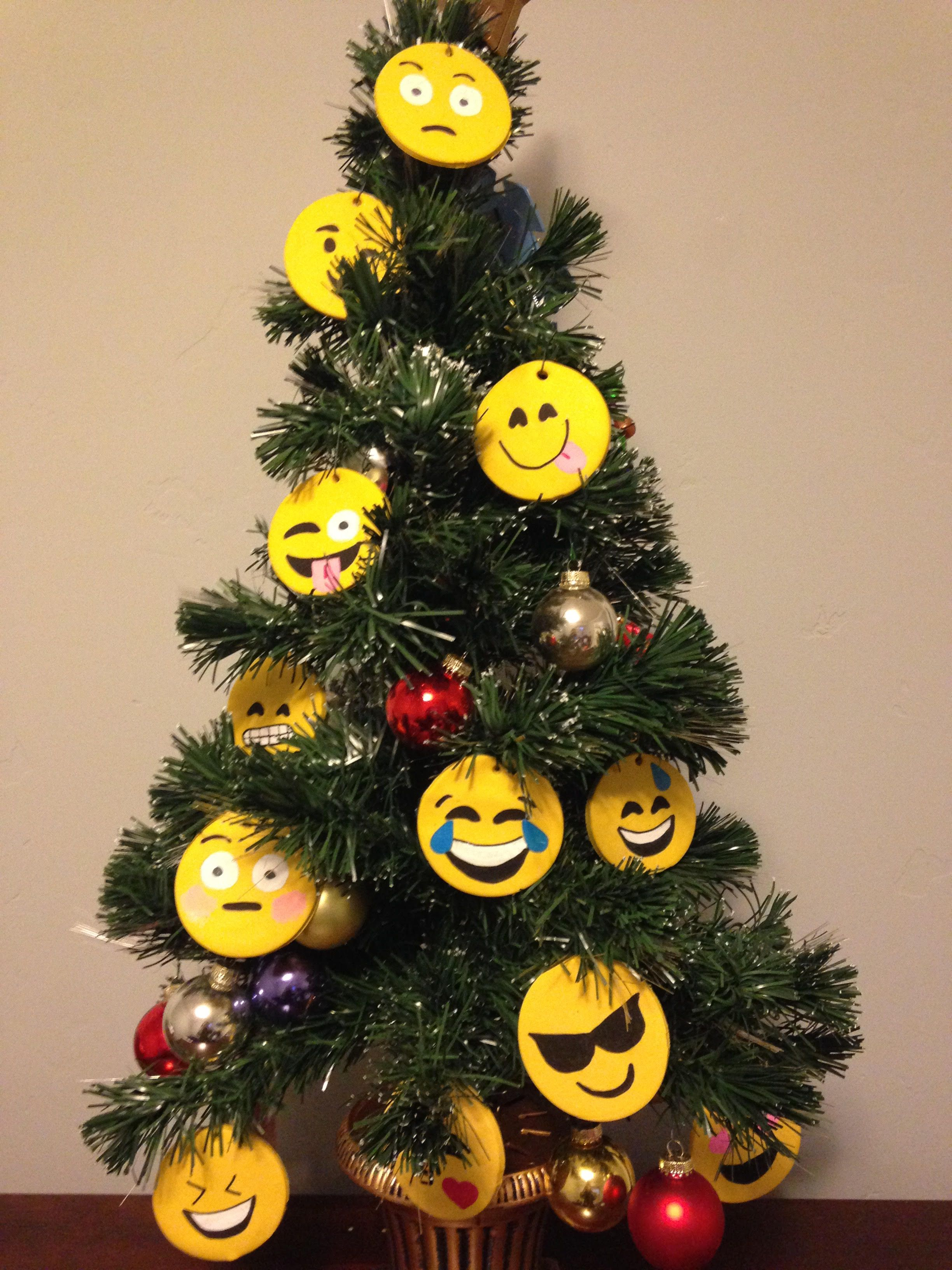 Fun Emoji Ornments What Mood Are You In Www Funkitch Com Ornaments Gift Toppers Clay Crafts