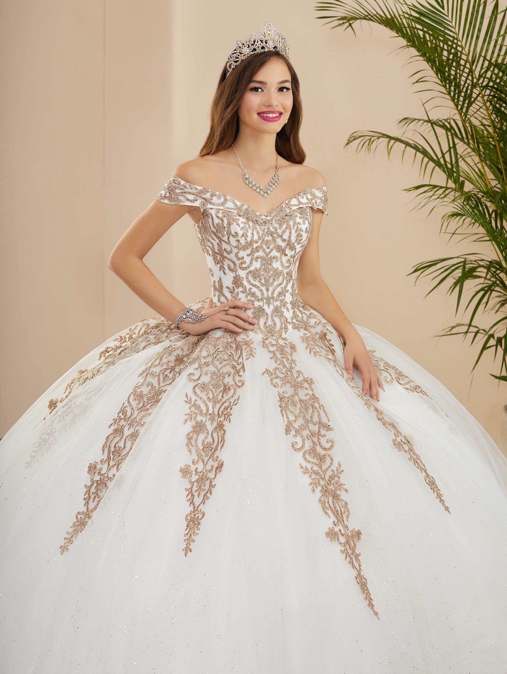 Applique Off Shoulder Quinceanera Dress By Fiesta Gowns 56400 Size 28 30 In 2021 Quinceanera Dresses Quince Dresses White Quinceanera Dresses [ 2640 x 1984 Pixel ]