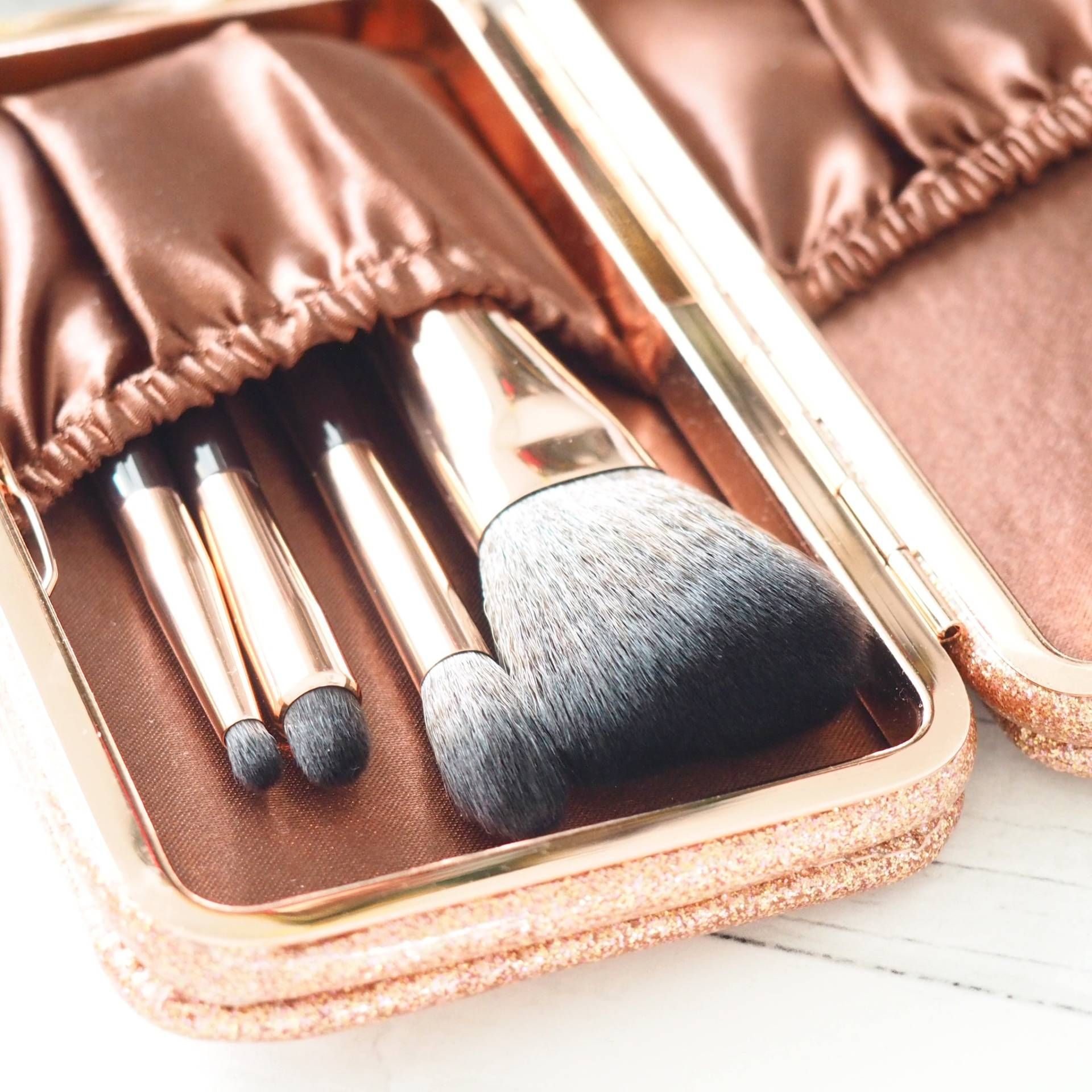 Pin on Charlotte Tilbury House of Paper Doll Photos