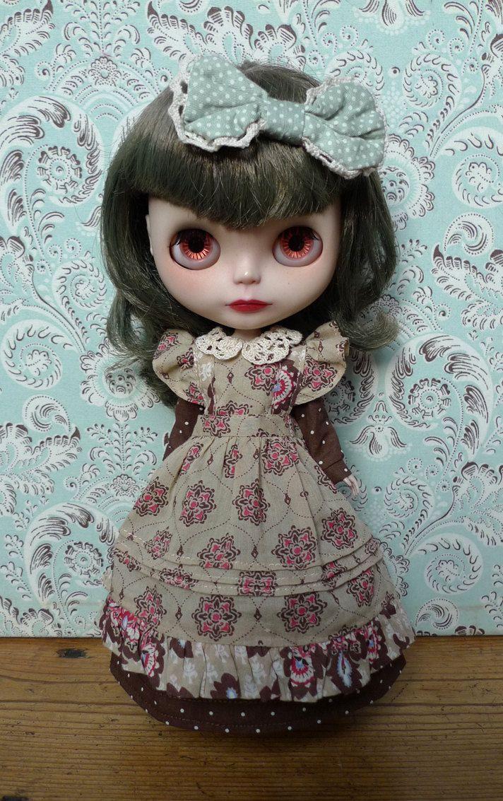 "Victorian Apron and Dress Set for 12"" Blythe. $35.00, via Etsy."