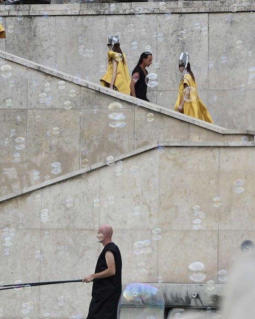 #rickowens #parisfashionweek #fashionshow #palacedetokyo #womenswear #ss2020 #fashion #fashiontrends #avantgardefashion ...