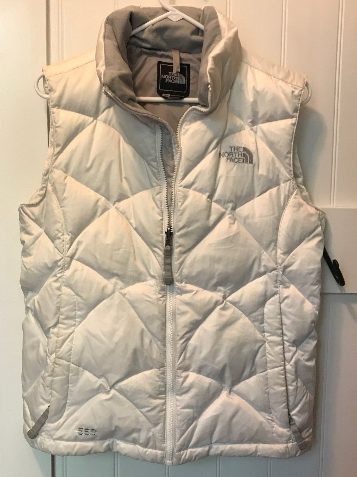 White The North Face 550 Puffer Vest Extremely Warm Other Than The Two Coffee Stains It S In Great Condition And Clean If Y Vest The North Face Puffer Vest [ 1600 x 1198 Pixel ]