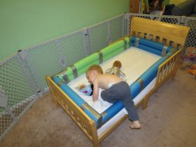 mama frankenstein diy toddler bed bumper tutorial home ideas diy toddler bed bed rails for. Black Bedroom Furniture Sets. Home Design Ideas