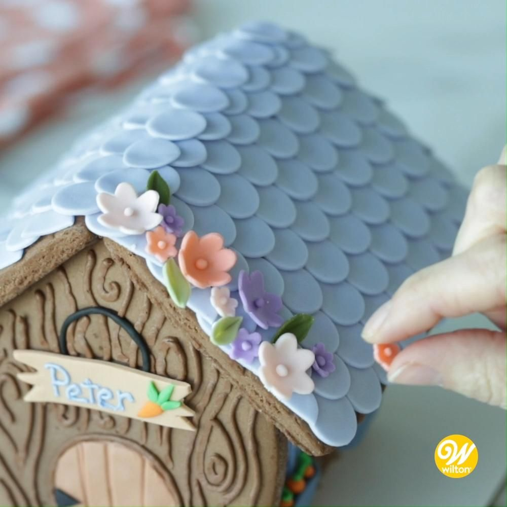 How to Make an Easter Bunny Chocolate Cookie Hutch