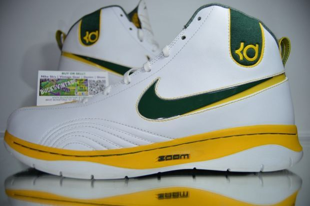"daf0e3584557a Nike KD 1 ""Seattle Sonics"" PE - Available on eBay - SneakerNews.com ..."