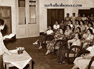 Pidato Bahasa Jawa Peringatan Hari Ibu Hari Ibu Bahasa Ibu