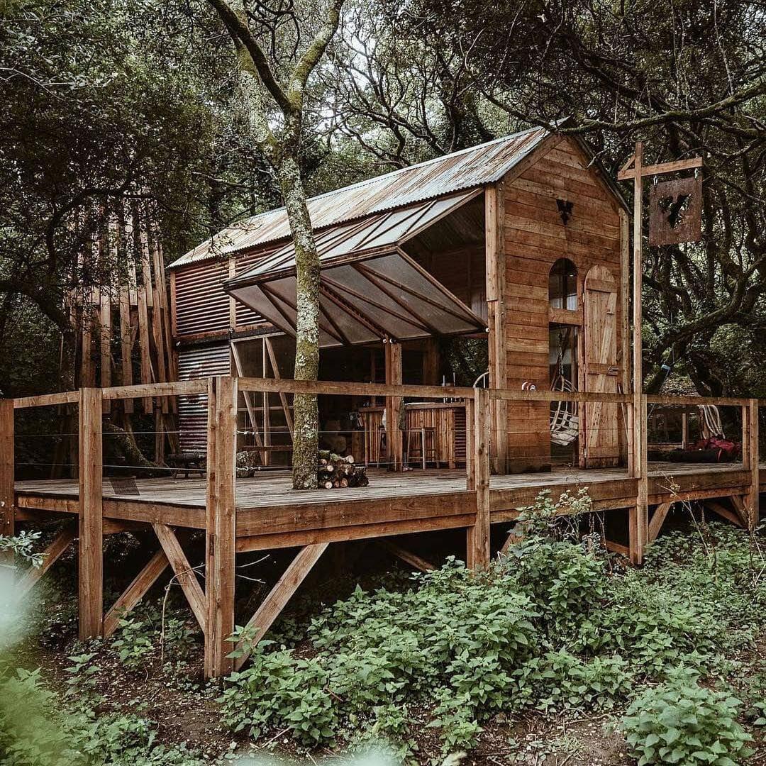 Montre En Bois Haut De Gamme In 2020 Off Grid Cabin Off Grid House Cabin