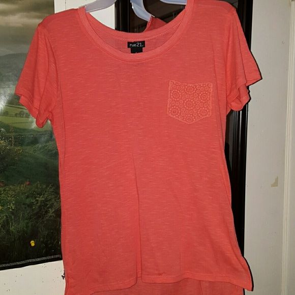 Tshirt Coral rue21 top with crochet pocket has never been worn! It's a size large. Great condition! Rue 21 Tops Tees - Short Sleeve