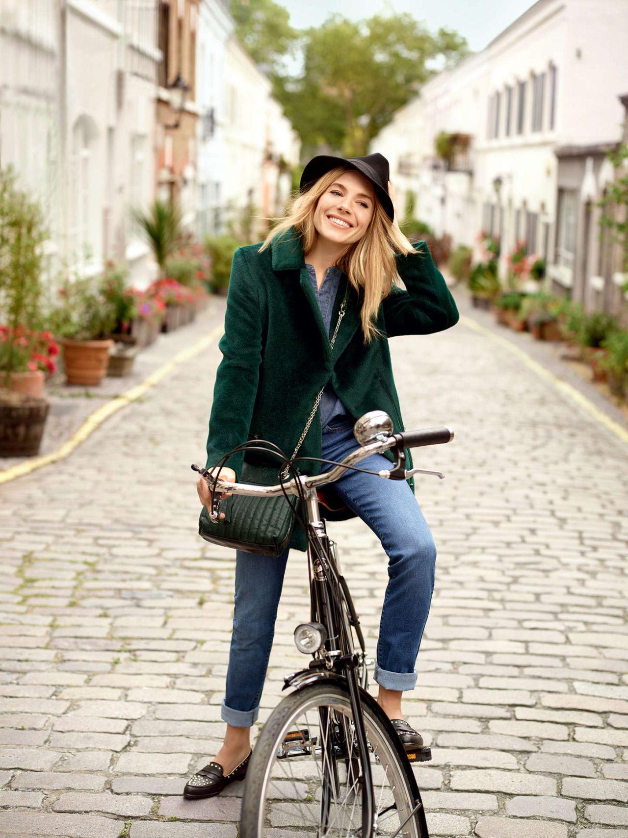 7ef94ff9508a City biking style via velottoncyclestyle   Cycling Style   Pinterest ...