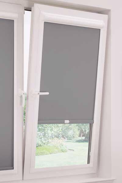 Rolgordijnen slaapkamer wit verduisterend grijze muur for Gordijnen slaapkamer verduisterend