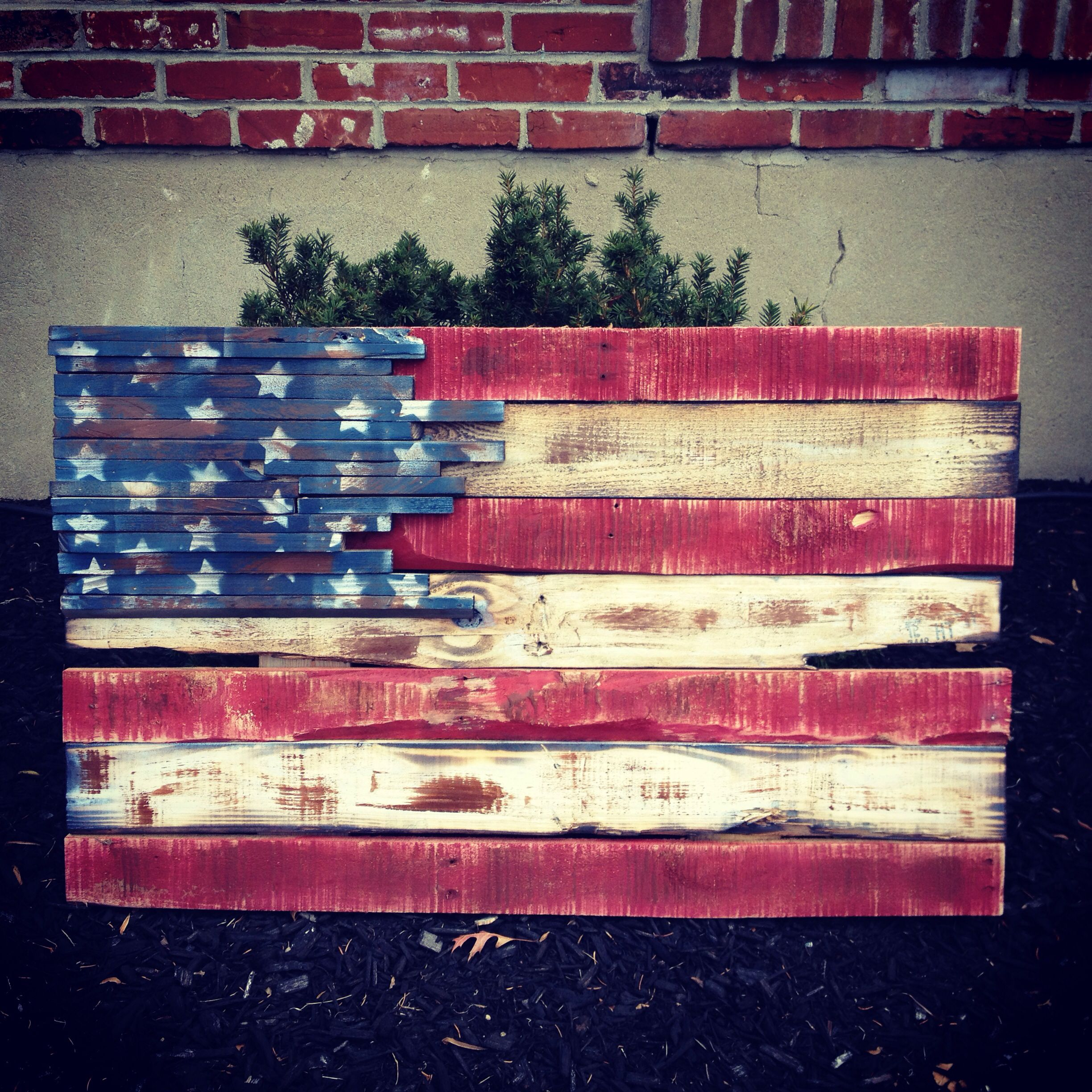 Pallet flag american flag projects pinterest flags pallets and pallet flag - American flag pallet art ...