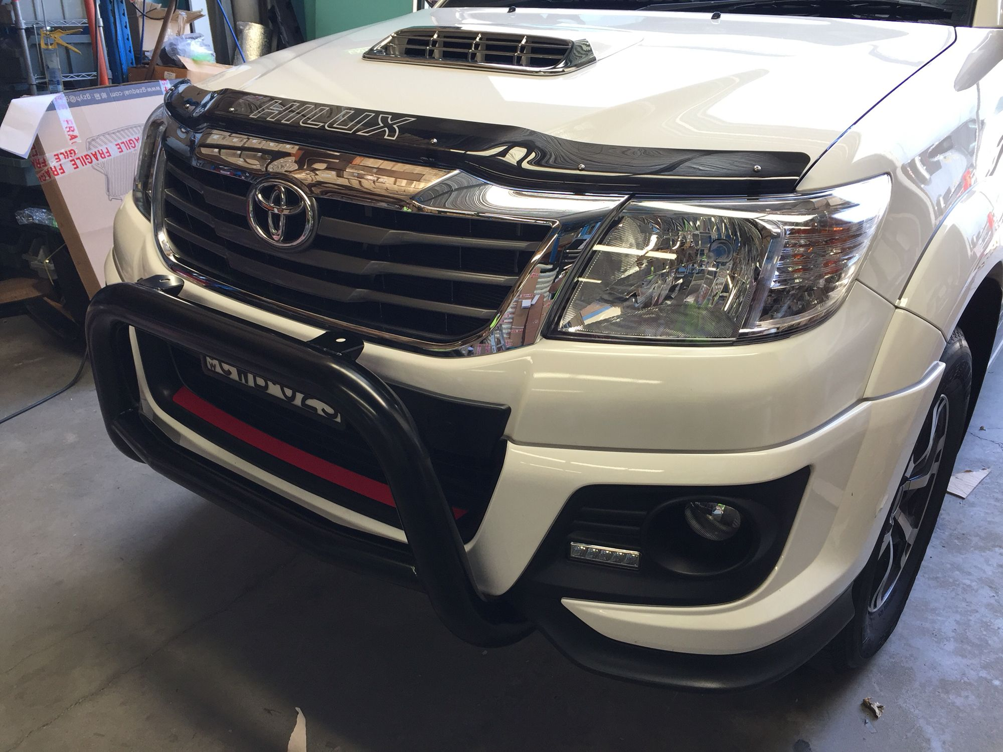 Toyota hilux trd low nudge bar black