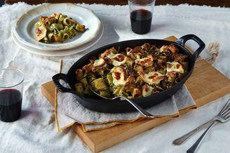 Mezzi Rigatoni mit Broccoli Pesto und geräuchertem Mozzarella -