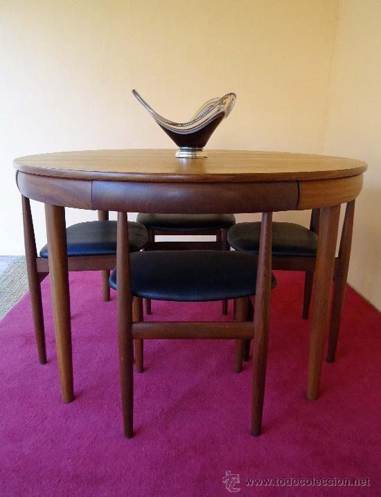 Conjunto de comedor. Mesa extensible y cuatro sillas. Diseño ...
