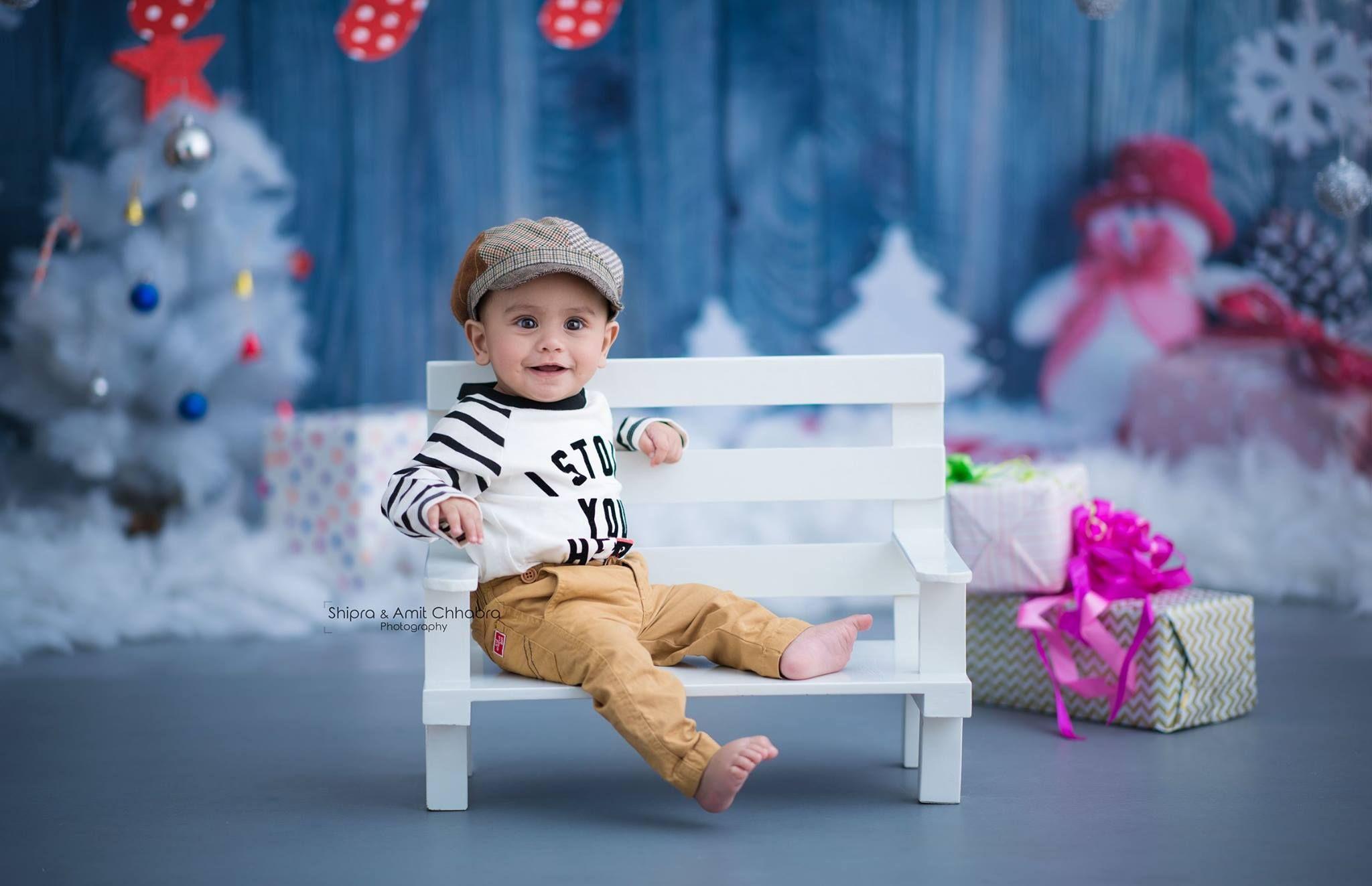 Winter theme christmas tree white christmas tree diy baby photoshoot baby photography kids photoshoot ideas shipra amit chhabra photography