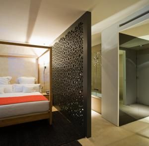divider wall: EME cathedral hotel in seville, spain