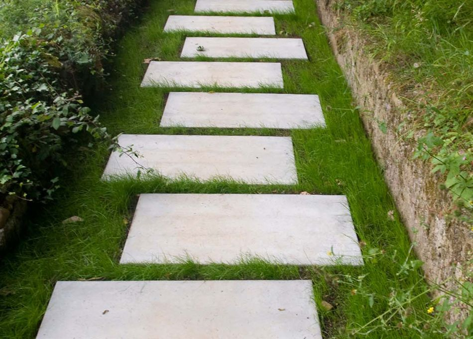 Pavimento placa c sped jard n pinterest c sped for Escalera de bloque de jardin