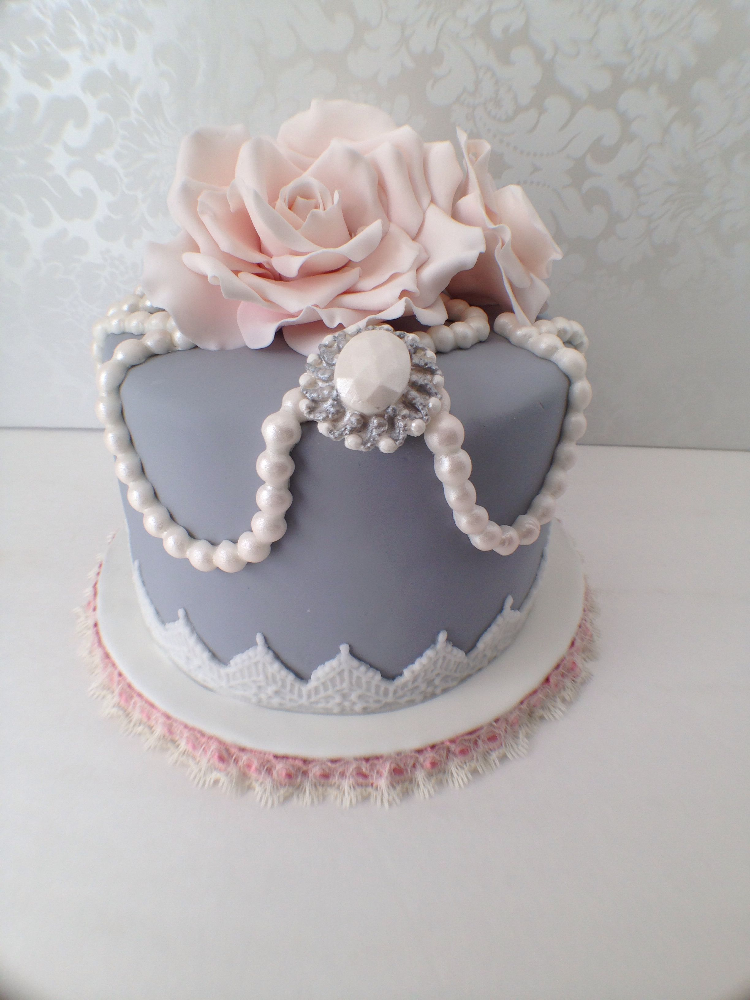 My beautiful mothers birthday cake! I enjoyed making it