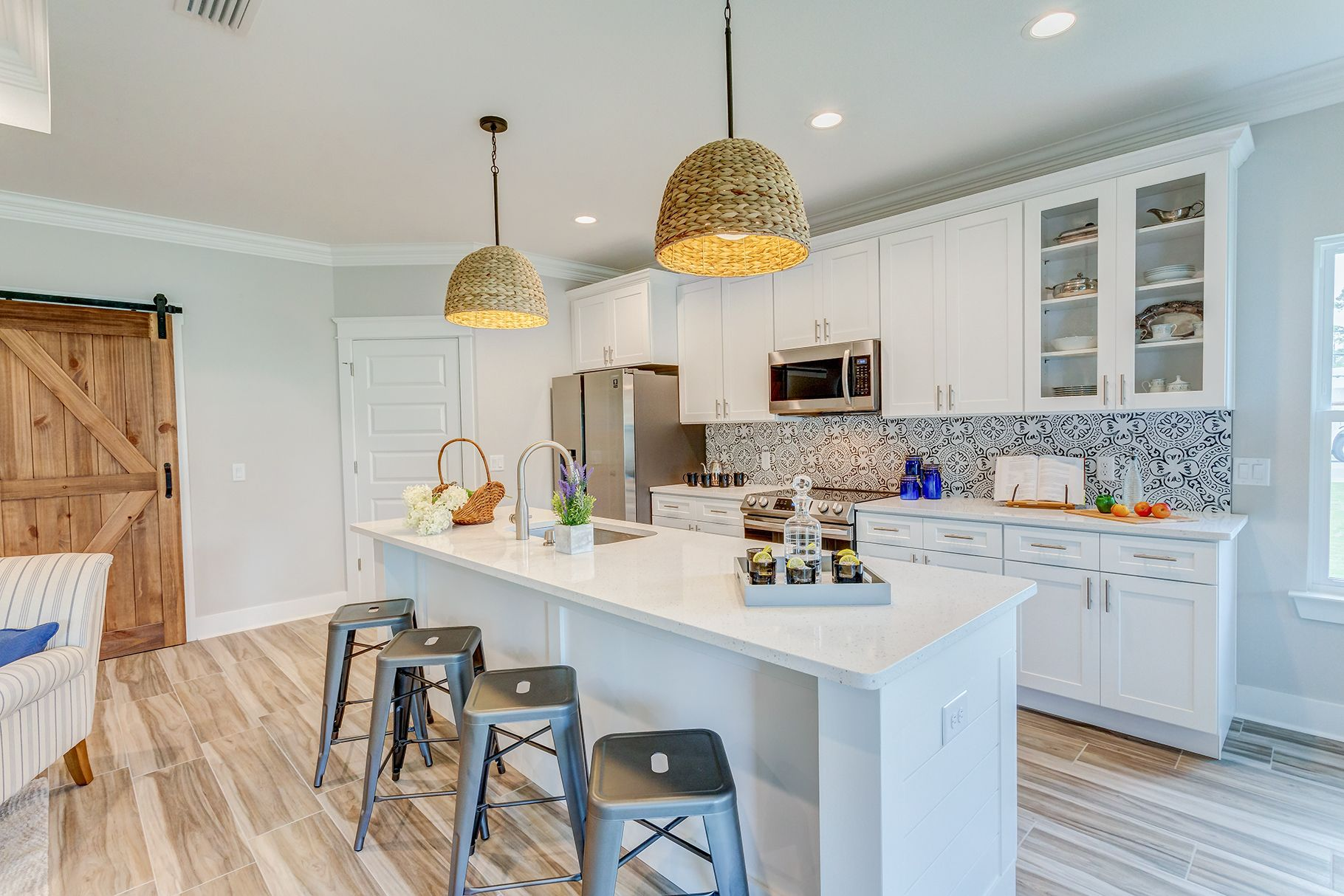 Just Listed Pcb Fl In 2020 Modern Kitchen Shiplap Accent Wall White Shaker Cabinets