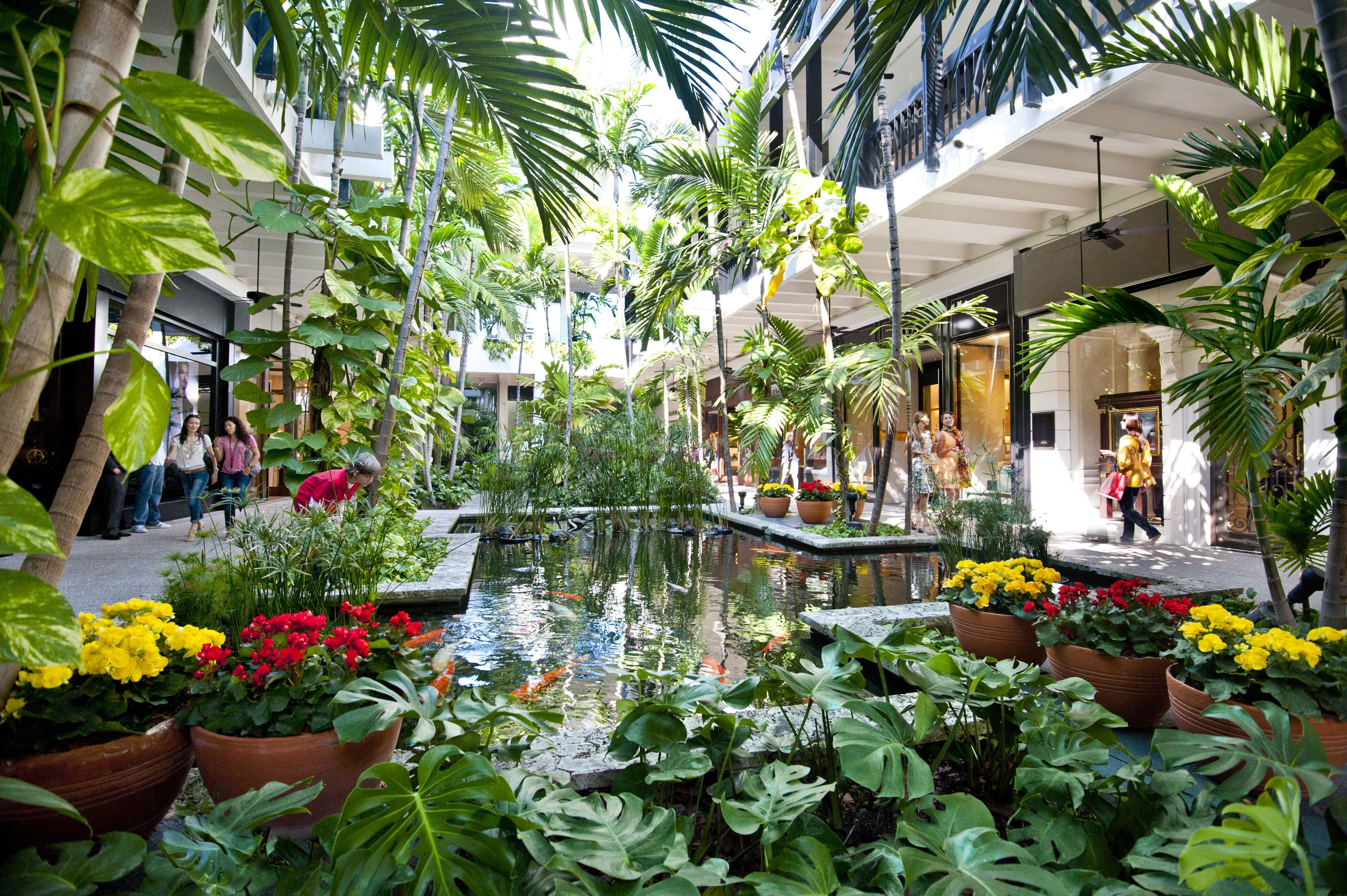 Bal Harbour, interior tropical fountains, luxury retail (Bal Harbour ...