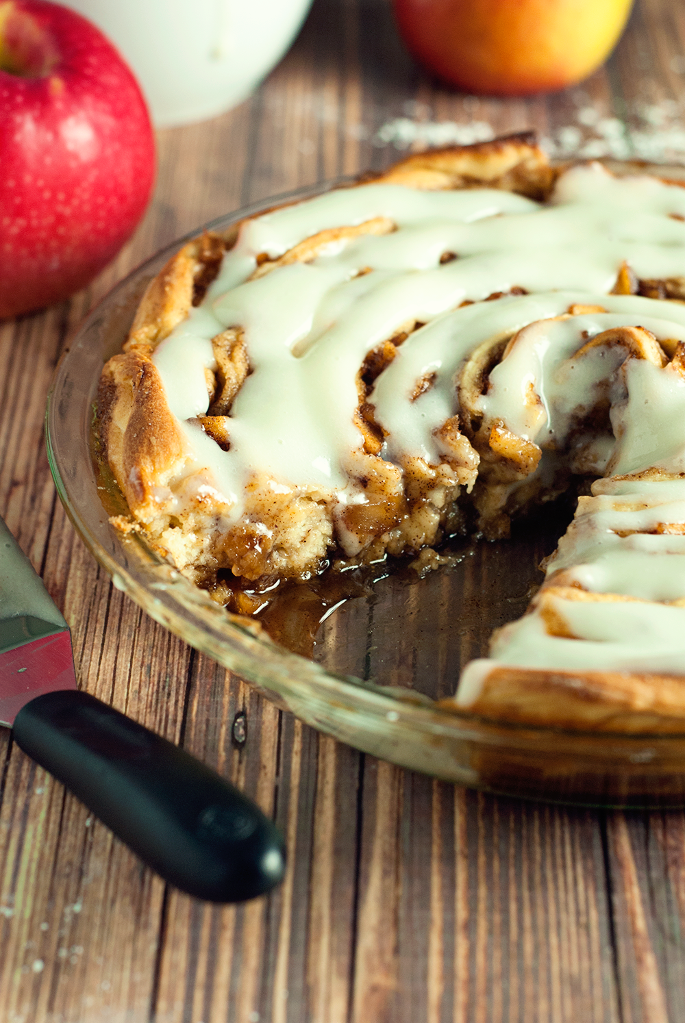 Spiced Apple Cinnamon Roll Cake #rollcake