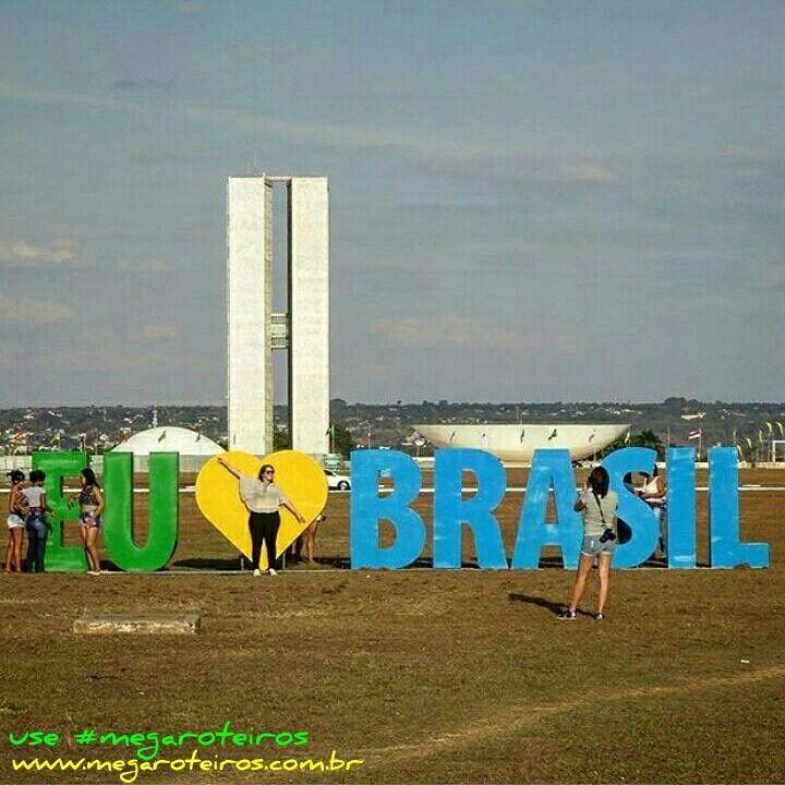 Esplanada dos Ministérios - #Brasília - #Brasil  www.megaroteiros.com.br  ___________________________________  Marque suas fotos com a hashtag  #megaroteiros e apareça no Mega Roteiros  ___________________________________ #douglasviajante #fantrip #profissaoaventura  #uolviagens #melhoresdestinos #vivinaviagem #omundoeminhasvoltas #dicasdeviagembr #viajaretudodebom #porondefor #vivadeperto #7desetembro #bsb #capital #soubrasil #fui