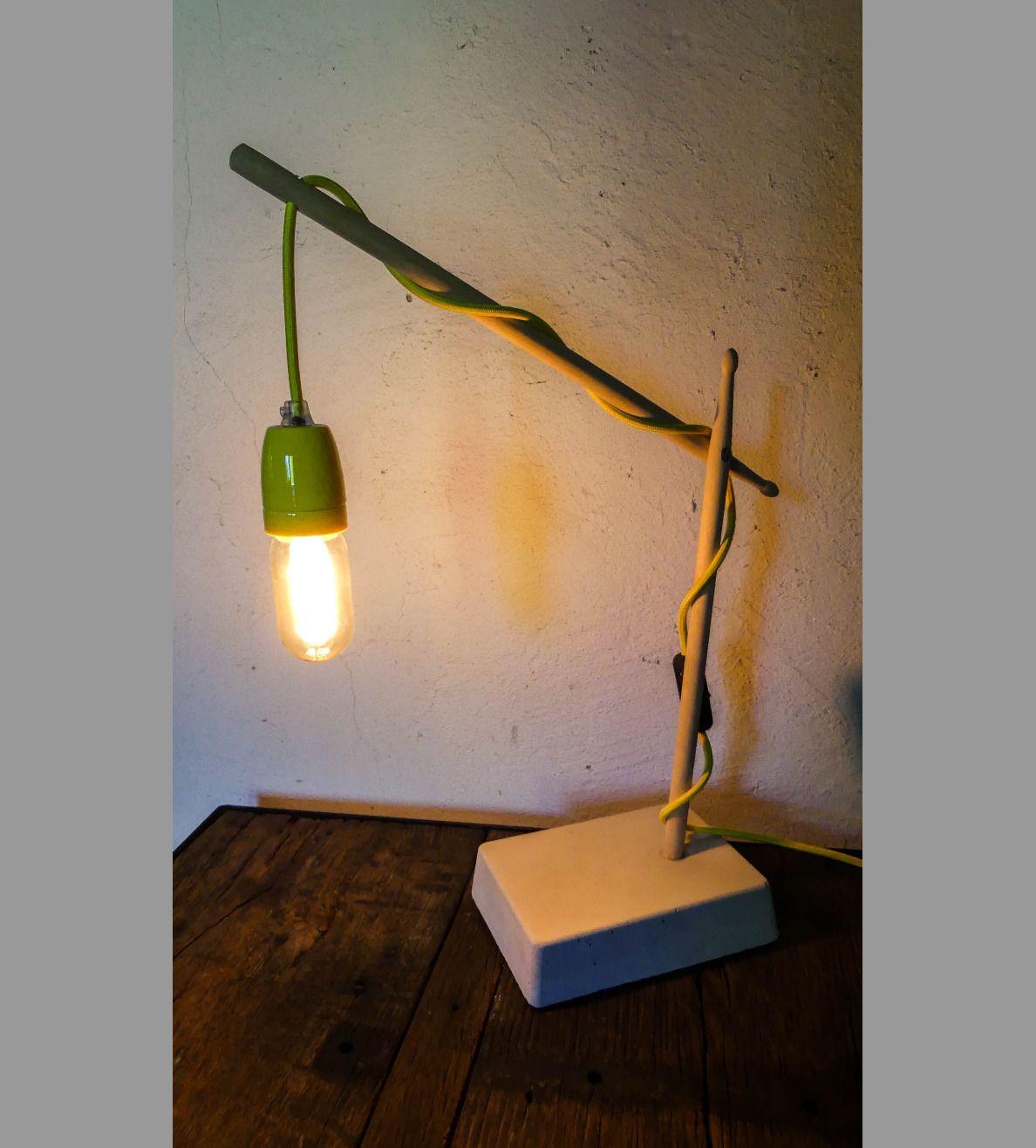Lampe En Bois Et Beton Ampoule Vintage A Filament Luminaires Par