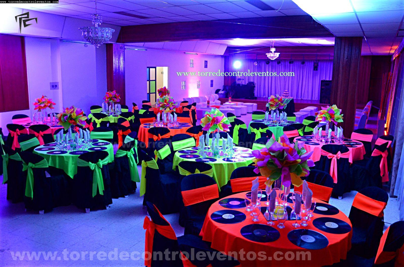 Fiesta tematica neon 15 a os fiesta ne n pinterest for Tematicas para 15 anos originales