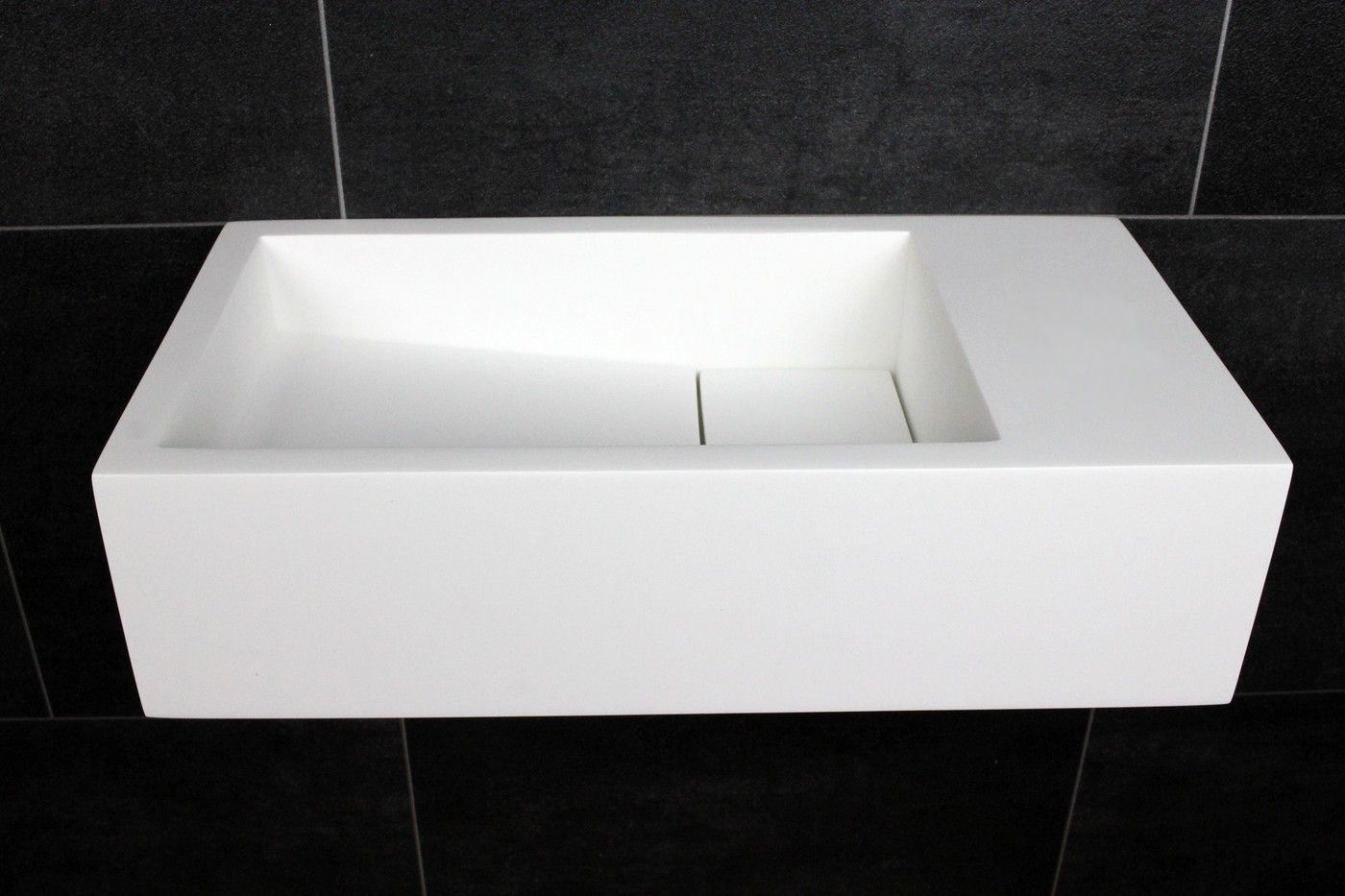 Luca fontein solid surface cm zonder kraangat mat wit