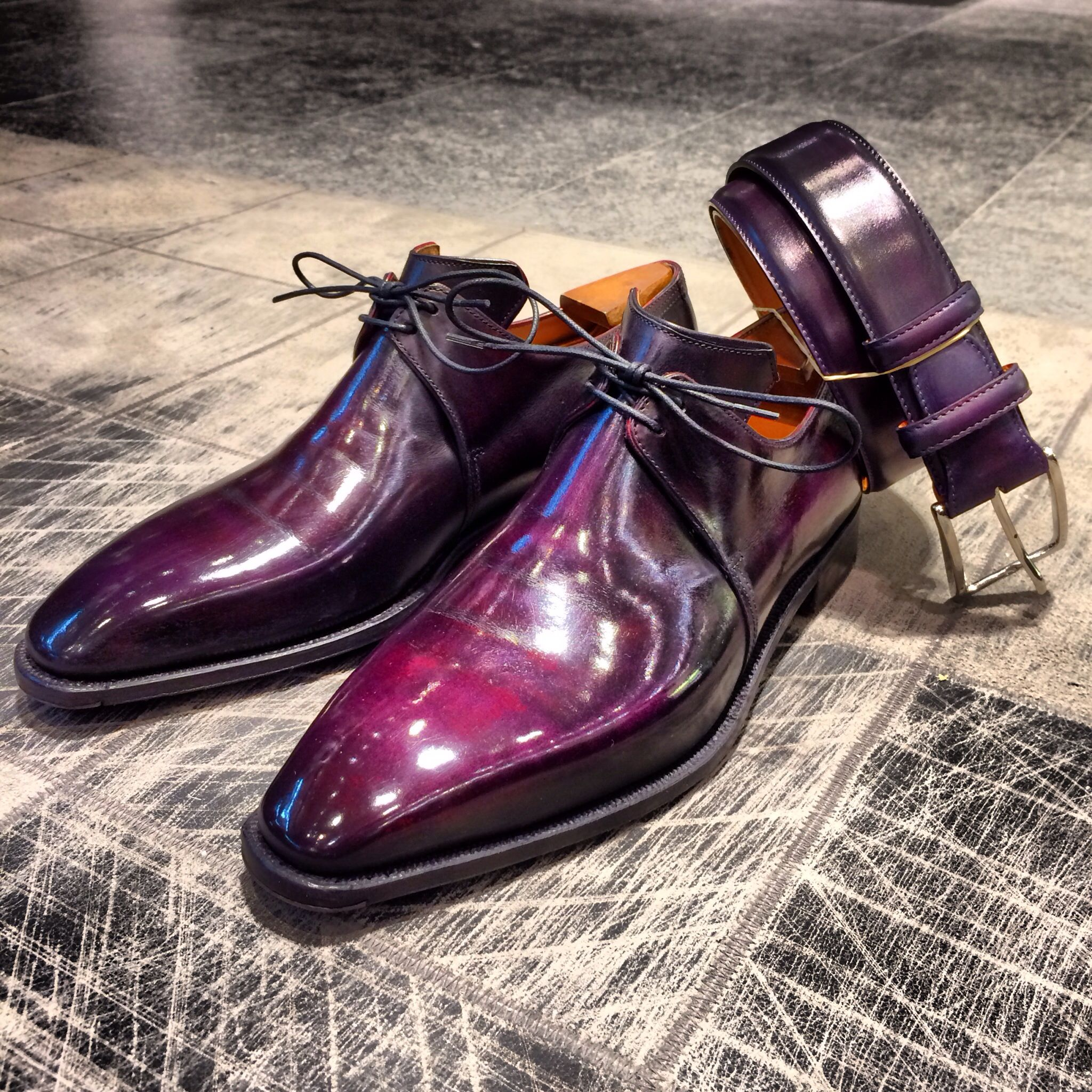 Purple dress with shoes  Black orchidée  Cool Stuff  Pinterest  Dandy Dress shoes and Black