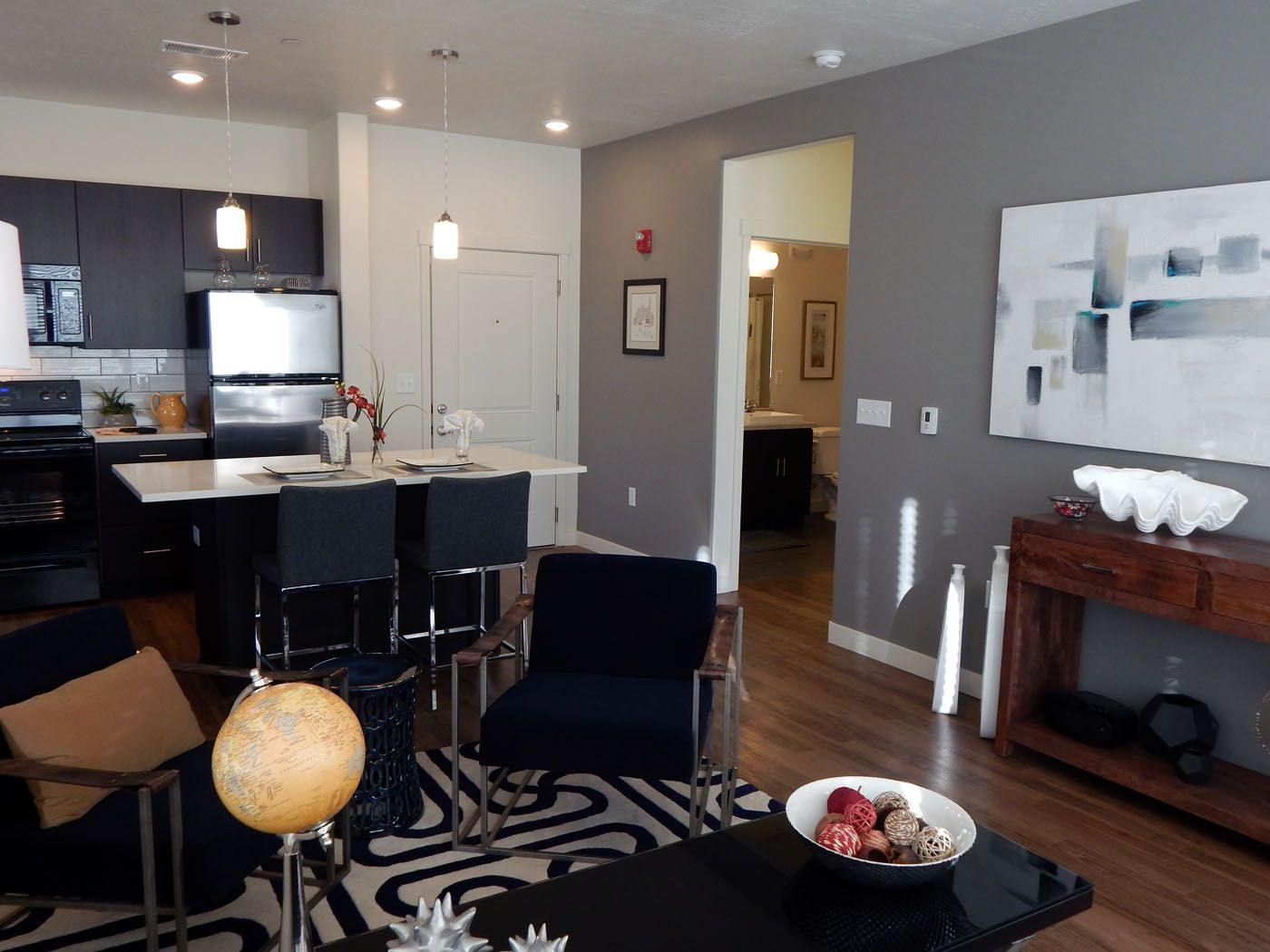 Enjoy This Beautiful Apartment At Lofts At 7800 And Get The Best