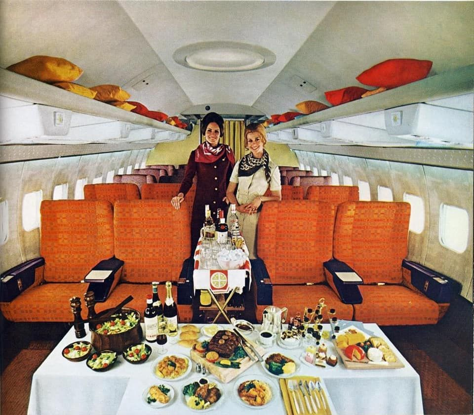 Twa 707 First Class Service In 2020 Vintage Airlines Airline Interiors Airlines