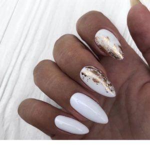 White And Gold Nail Designs Whiteandgoldnails Elegantnails Naildesigns Weddingnails Whitenails Goldnails Gl White Nails Gold Nails White Nails With Gold